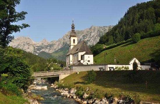 Best Western Plus Berghotel Rehlegg: Ramsau Church