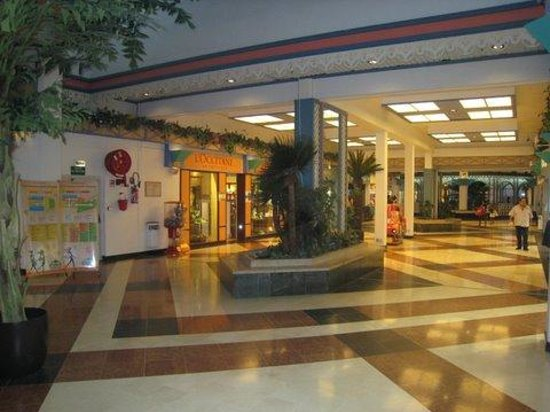Galleria Commercial Center: More mall
