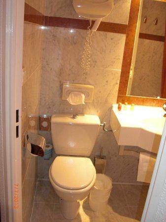 Hotel America: bagno