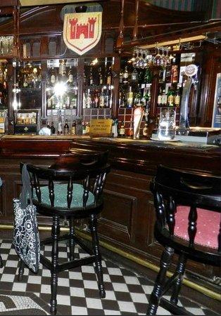 Sunnyside Park Hotel: PUB Estilo Irlandes