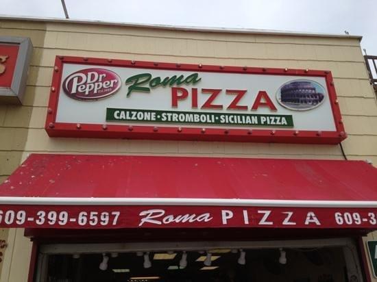 Roma Pizza : Add a caption