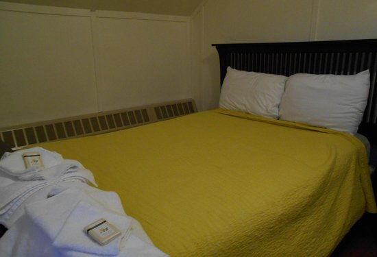 Bascom Lodge : Bedroom view of all amenities