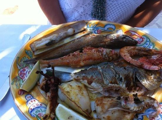 Restaurante Mena: le Mena ,grillade de poissons