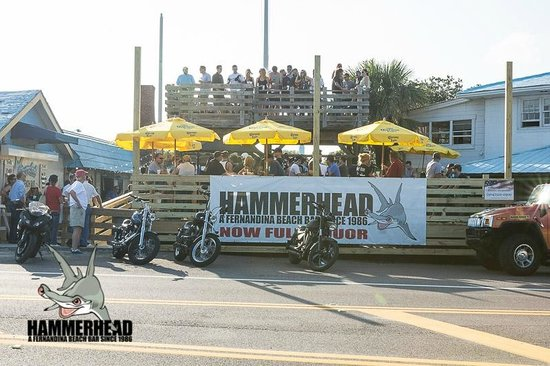 Hammerhead Beach Bar