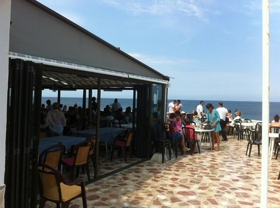 Restaurante Mena: terrasse du restaurant leMena a Denia lieu dit las rotas