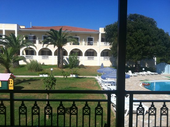 Palmyra Hotel : hotel visto dal bar