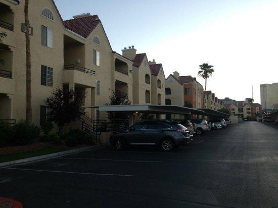 Holiday Inn Club Vacations At Desert Club Resort: vista interna - blocos de apartamentos