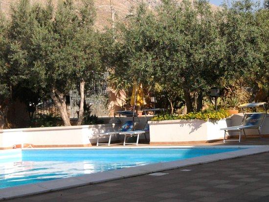 Hotel Antares: La piscina