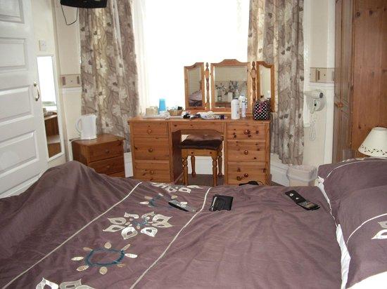 Beachdene Guest House: our room