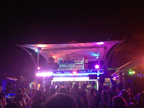 Ark Bar Beach Club : ArkBar's music