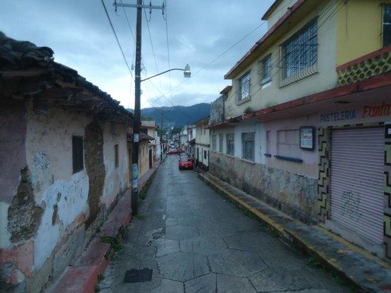 Diego De Mazariegos: Alrededores