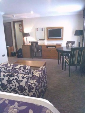 Cheltenham Regency Hotel: Lovely suite