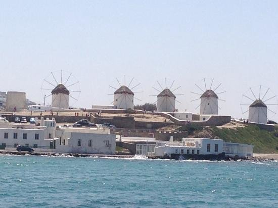 Geranium Residence: the famous windmills of Mykonos