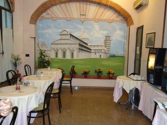 Leonardo Hotel : Il Ristorante per la prima colazione.