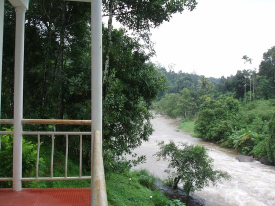 Ripples N Rocks Homestay: another view of the river