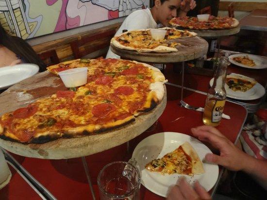 La Mona Centro: Las pizzas :D