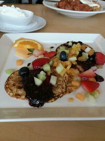 Tango Contemporary Cafe: swedish pancake