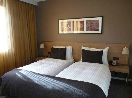 Adina Apartment Hotel Berlin Mitte: Separtes Schlafzimmer im Apartment