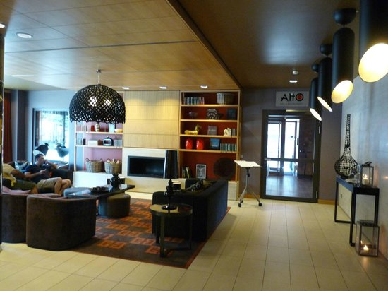 Adina Apartment Hotel Berlin Mitte: Lounge