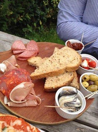 The Horseshoe Inn: mezze platter