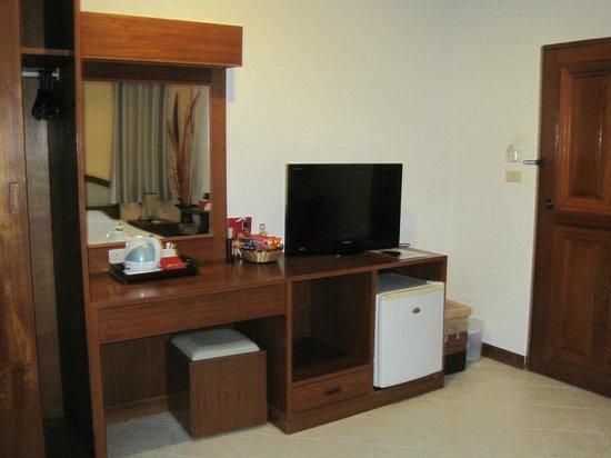 Sai Rougn Residence : TELE