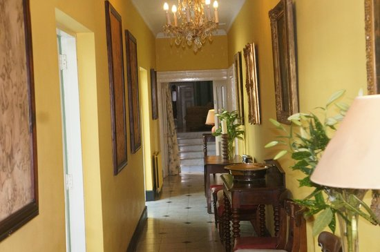 Rosleague Manor Hotel: Hallway