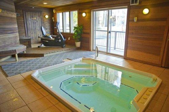 Snowdance Condominiums at Keystone: Common area indoor hot tub