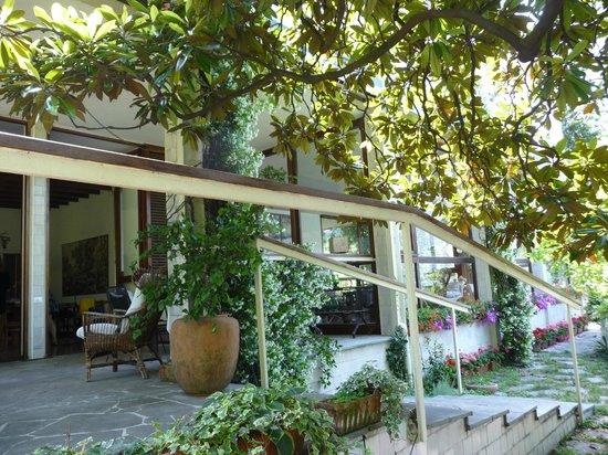 Villa Maria B&B: la nostra veranda per le colazioni ed il relax