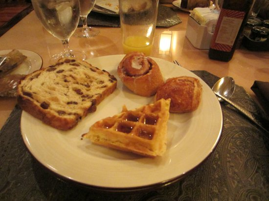 Omni Fort Worth Hotel: Breakfast buffet