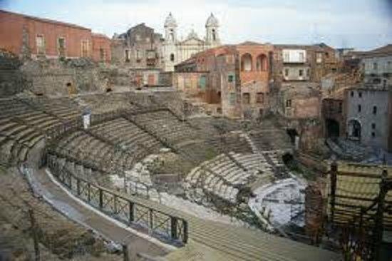 Duomo di Catania: Il teatro greco-romano