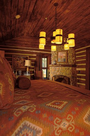 The Broadmoor Ranch at Emerald Valley: Cabin Interior