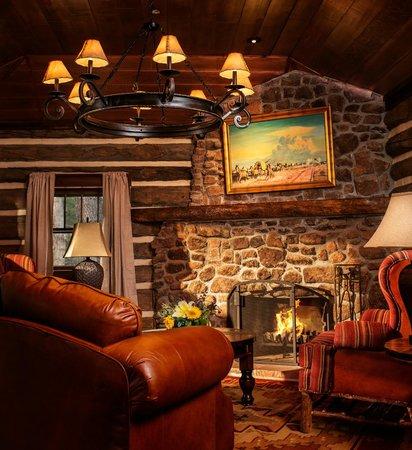 The Broadmoor Ranch at Emerald Valley: Cabin Interior