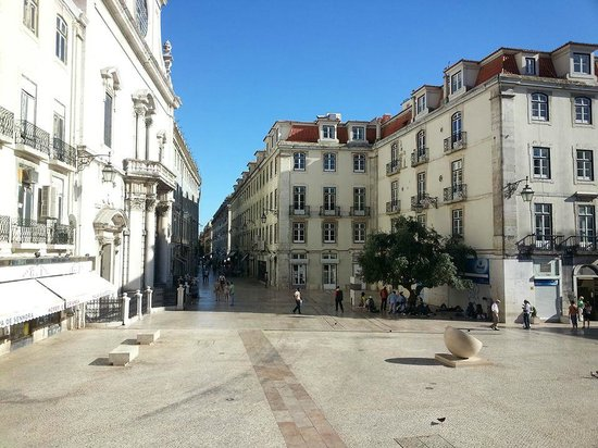 Lisbon Story Guesthouse : You walk out of hotel to this beautiful area, adjacent to Rossio Square.