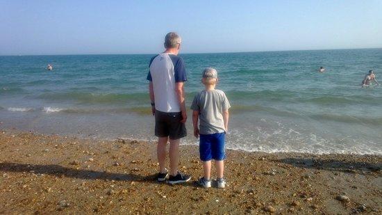 Eastoke Corner Beach: The beach