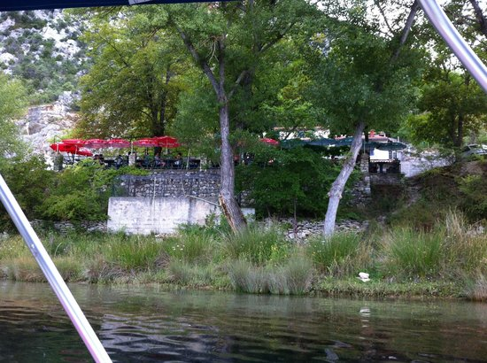 Chez Kinou : terrasse vue du lac