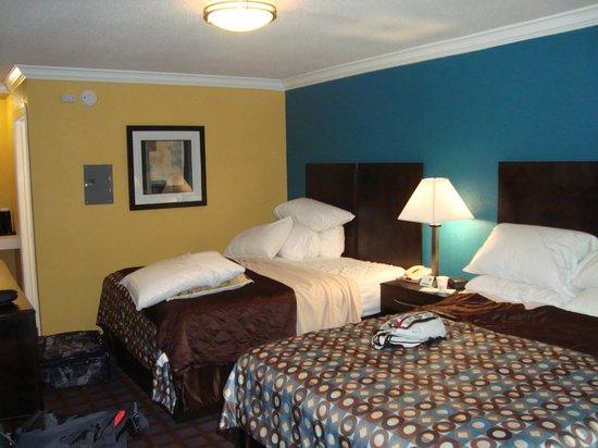 Econo Lodge : Chambre 2 lit queen