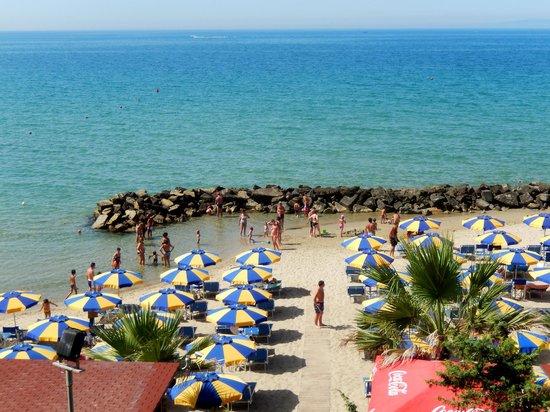 Spiaggia vista dalla pineta foto di hotel giardino follonica tripadvisor - Bagno pineta follonica ...
