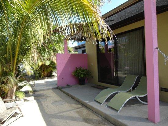 The Hotelito: Garden