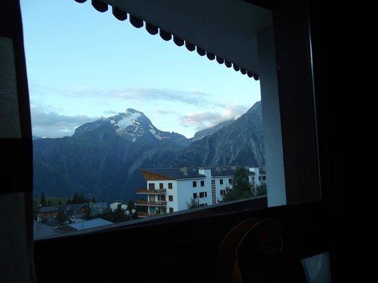 Hotel Club Les Clarines : vue de la chambre
