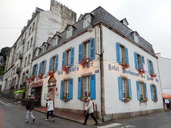 Les Ajoncs d'Or Hotel Restaurant : l'Hôtel-Restaurant les ajoncs d'or