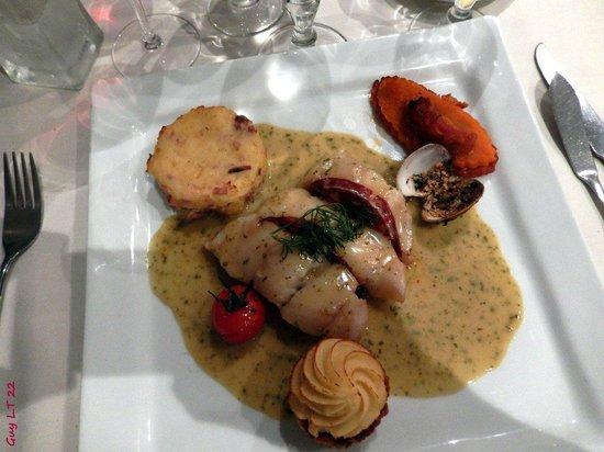 Les Ajoncs d'Or Hotel Restaurant : Emincé de Lieu jaune au Chorizo et à la coriandre fraîche