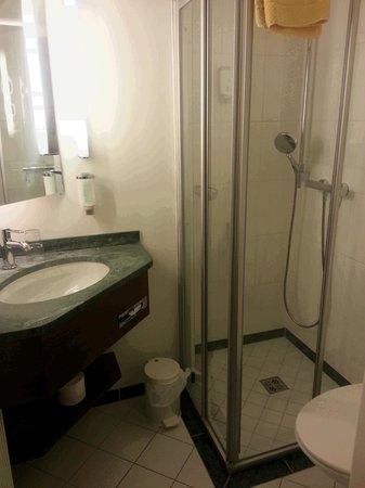 HAUS ARENBERG: Bathroom