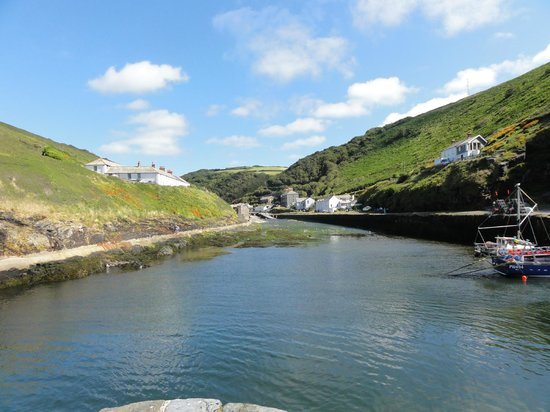 The Riverside: boscastle