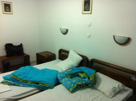 Mina Beach Hotel: Room