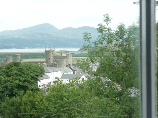 Pen Y Garth: view from Harlech room window
