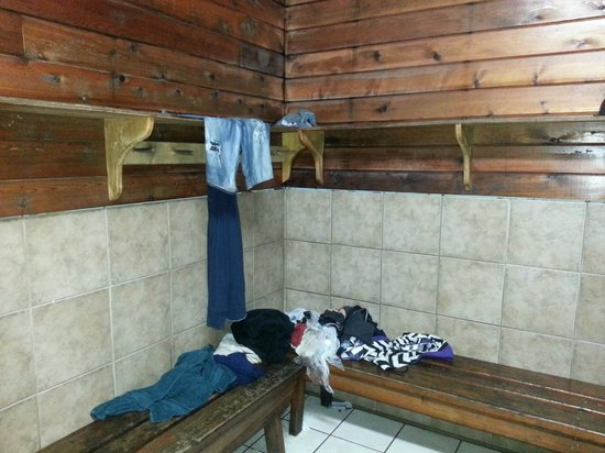 MacKenzie Beach Resort: Wet clothes left in the corner of the men's change area for three days.