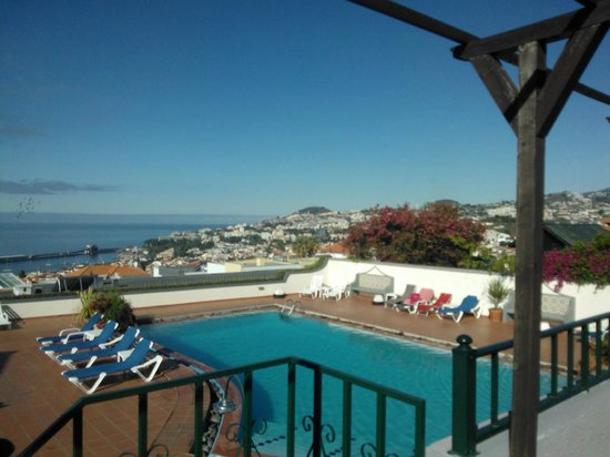 Quinta Mae Homens Apartments : View from the pool terrace