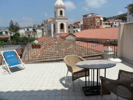 Hotel Sonia: Balcony