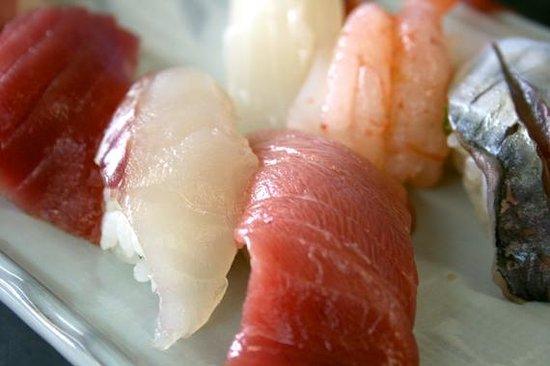 Kanazawa Tamazushi, Sohonten : Sushi!