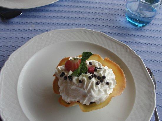 Restaurant Les Flots Bleus : Tulipe fruits rouges
